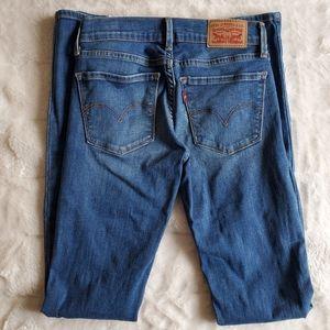 🌸Levi's🌸 EUC 710 Super Skinny Medium Wash Jeans